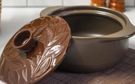 Dlaczego warto gotować w ceramicznych naczyniach?