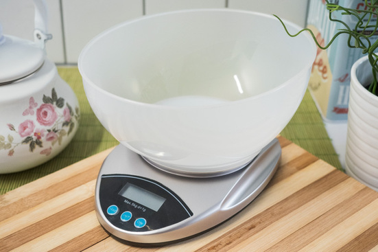 Waga kuchenna elektroniczna srebrna 5 kg