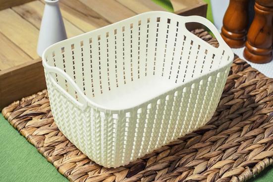 Koszyczek plastikowy 26 x 18 x 12.5 cm ecru