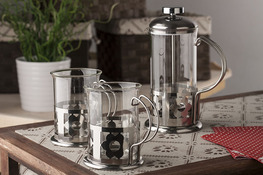 Zestaw do kawy i herbaty: zaparzacz + szklanki 2 sztuki