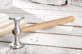 PRACTIC Tłuczek do mięsa aluminiowy z drewnianym     trzonkiem