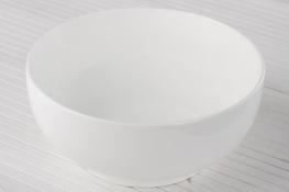 Salaterka porcelanowa okrągła 18 cm biała