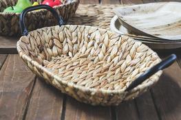 KOOPMAN Koszyk owalny z trawy morskiej 35 x 25 cm z met. uchwytami