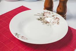 Talerz głęboki porcelanowy z wzorem 22.5 cm