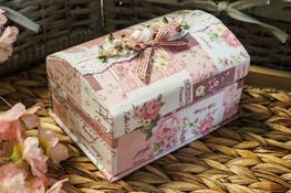 Szkatułka- kuferek na biżuterię 17 x 12 x 11 cm Róże