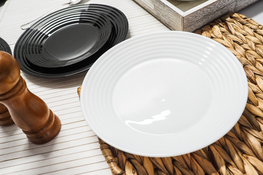 LUMINARC HARENA BLACK & WHITE Serwis obiadowy 18/6