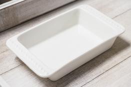 Naczynie porcelanowe prostokątne 18 x 10 cm - mix wzorów