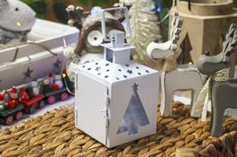 KOOPMAN Latarenka świąteczna metalowa 15 cm biała