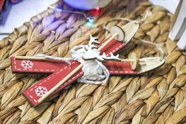 KOOPMAN Zawieszka świąteczna Narty mix wzorów