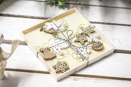 KOOPMAN Komplet 12 zawieszek świątecznych drewnianych - mix wzorów